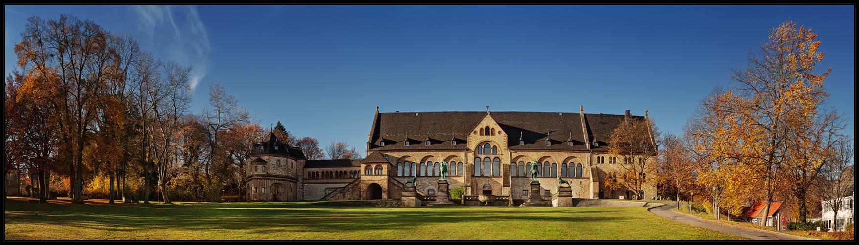 Kaiserpfalz im Herbst