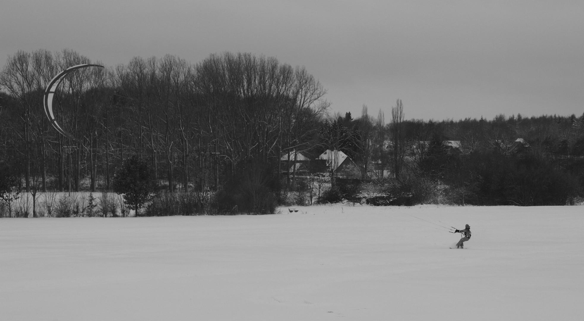 Kaitsurfen im Schnee