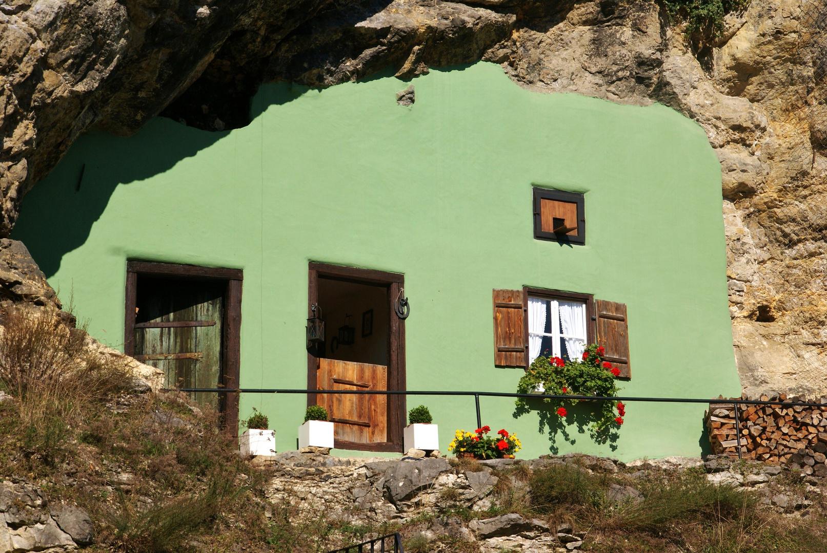 Kallmünz (Haus im Felsen, nicht mehr bewohnt)