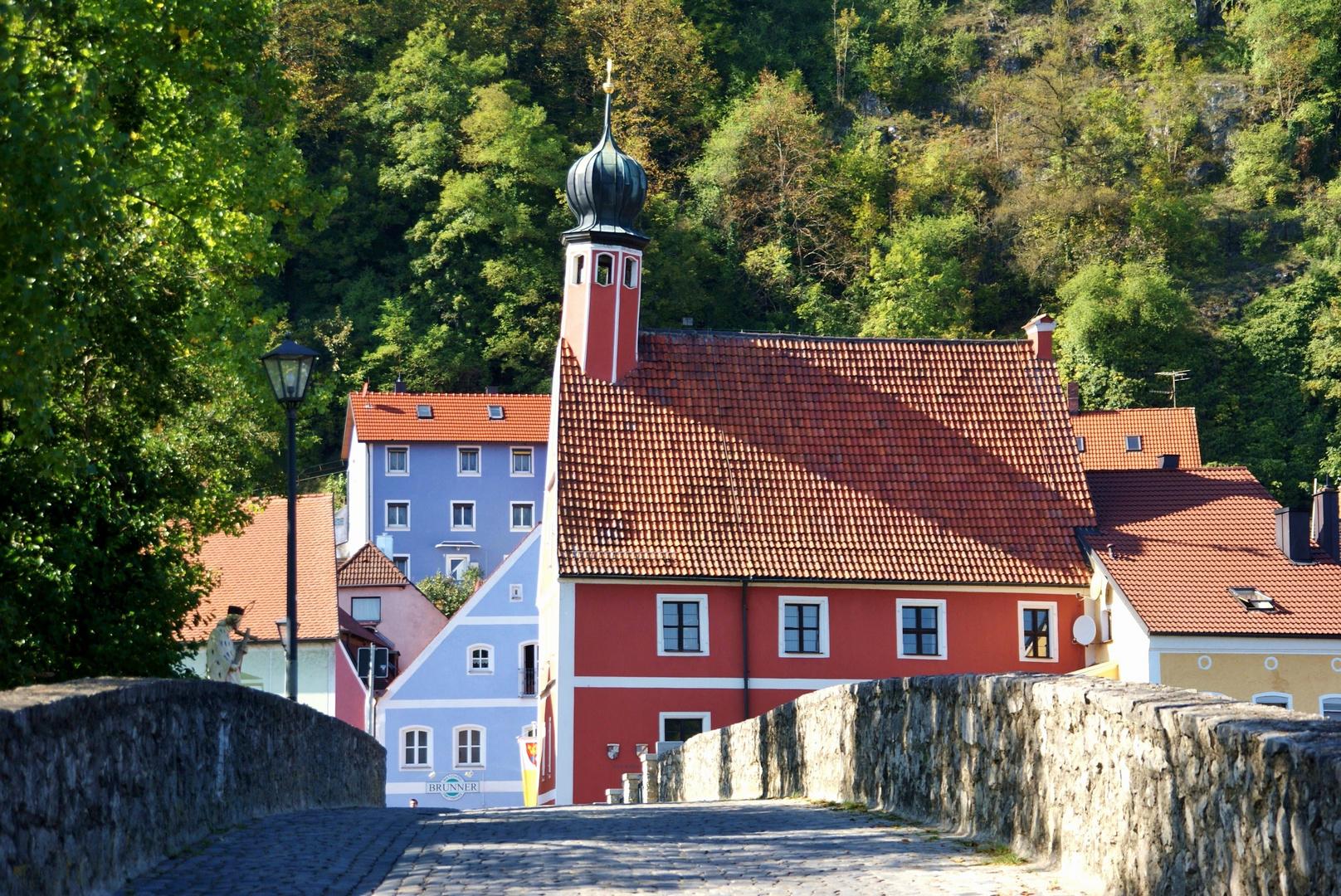 Kallmünz (Rathaus mit schiefem Turm)