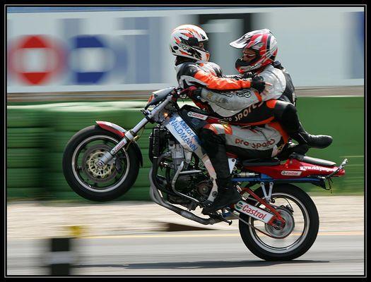Kamasutra auf dem 'Moped'