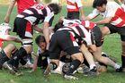 Kampf um den Ball (1)