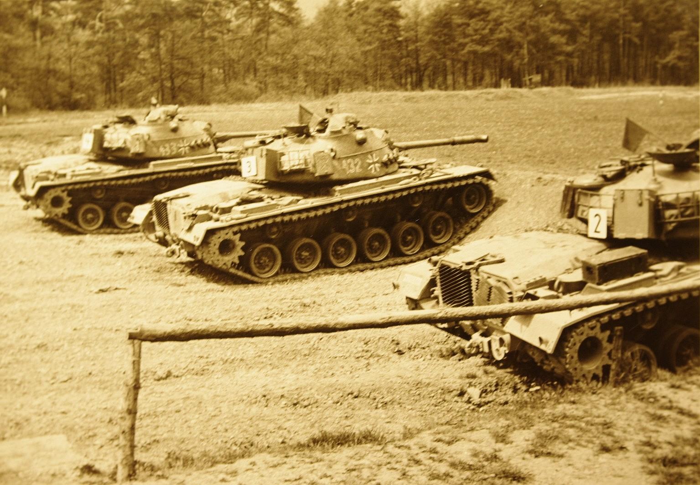 Kampfpanzer M 48. 1972 . PzBtL 4 / 364 Külsheim. Man war W 15 und machte den Frieden sicher........