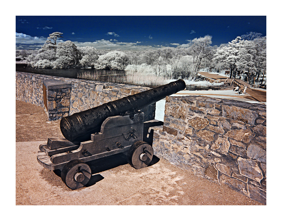 Kanone gegen die IRren Invasoren