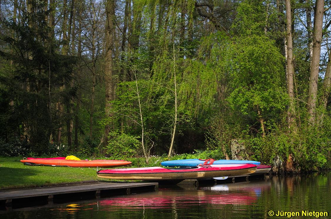 Kanus an der Alster