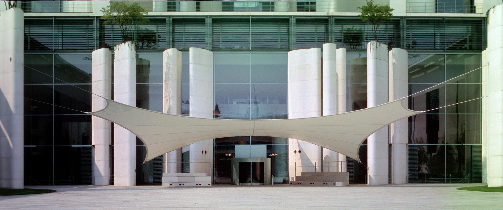 Kanzleramt - Eingang
