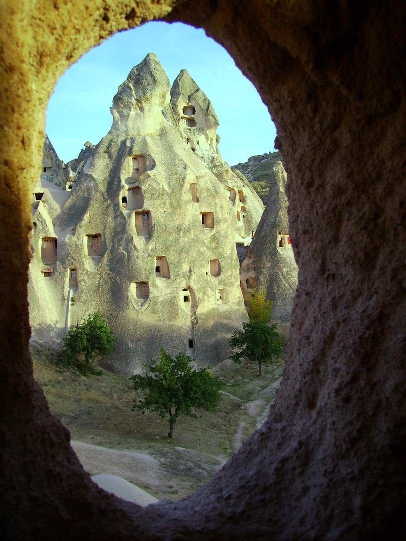 Kapadokkien... aus dem Fenster einer Tuffsteinwohnung