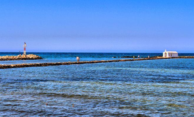 Kapelle im Meer