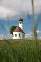 Kapelle im Sonnenlicht
