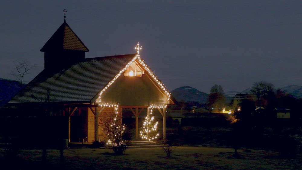 Kapelle in der Nacht
