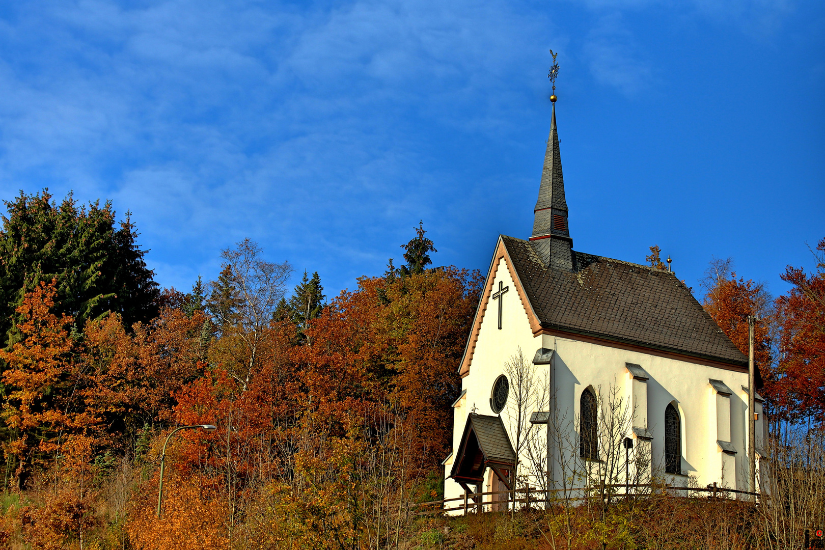 Kapelle in Herbststimmung