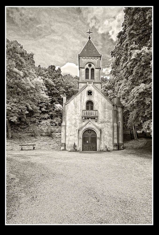 Kapelle irgendwo in Frankreich