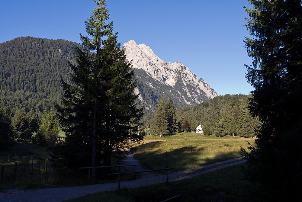 Kapelle Maria Königin & Wetterstein