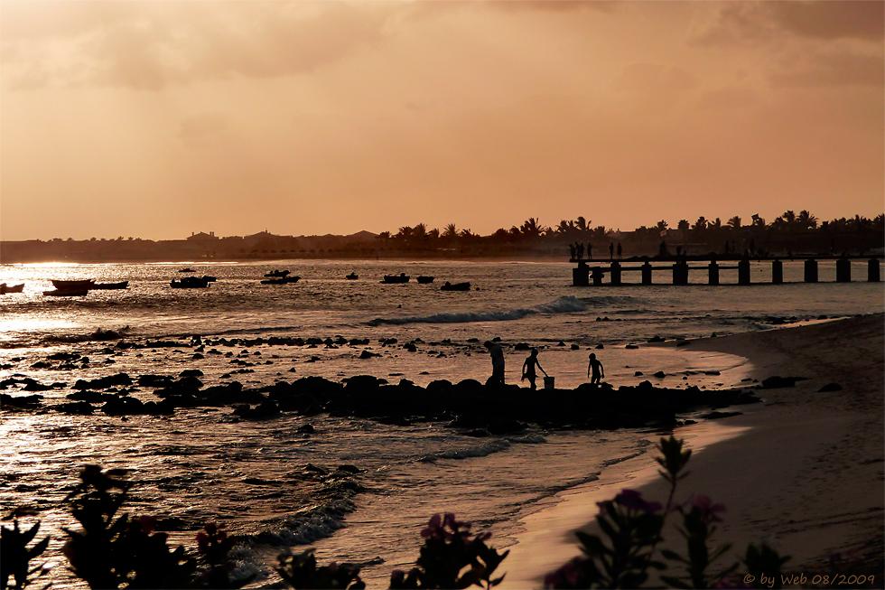 Kapverdischer Fischersteg im Sonnenuntergang