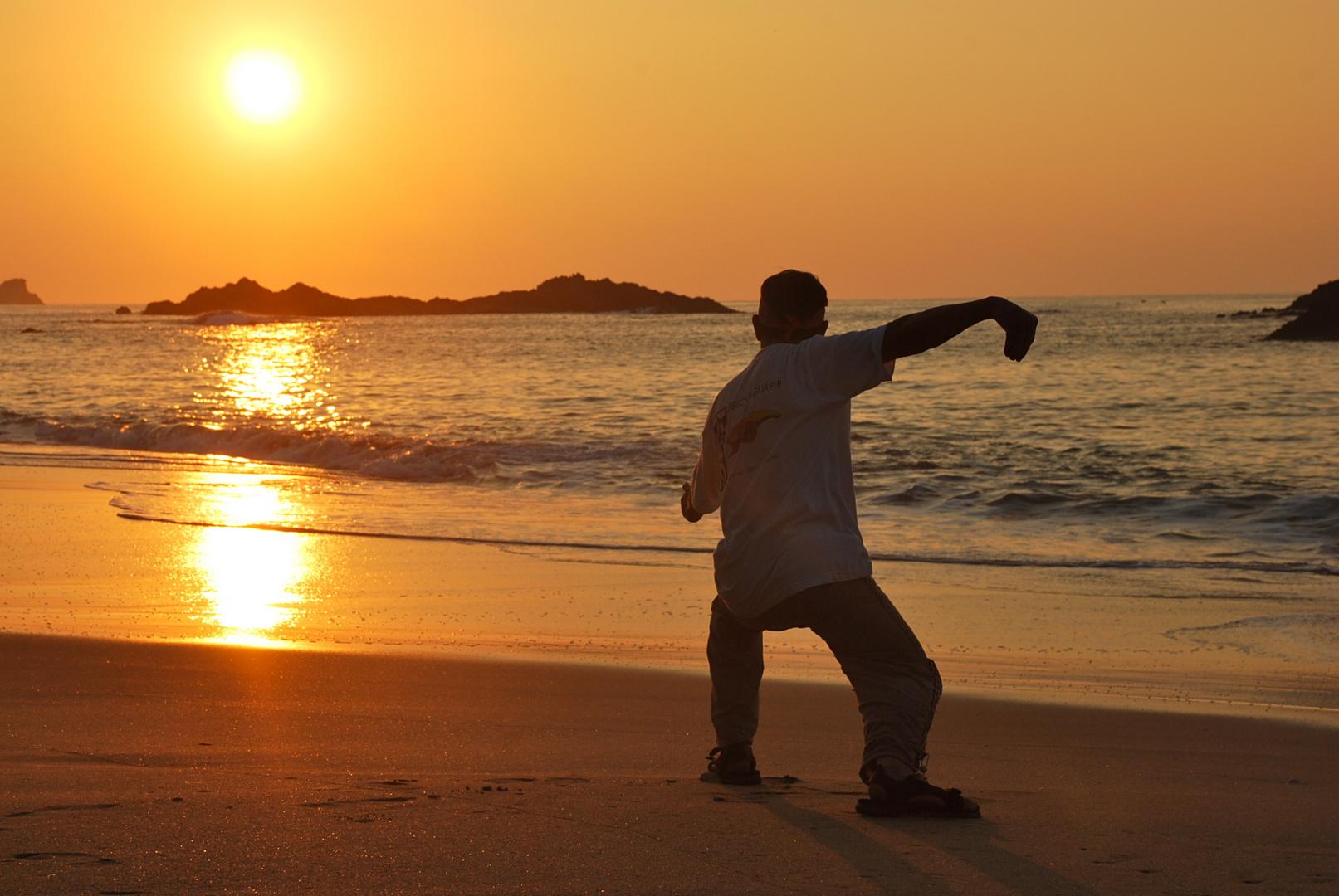 Karatekit am Strand