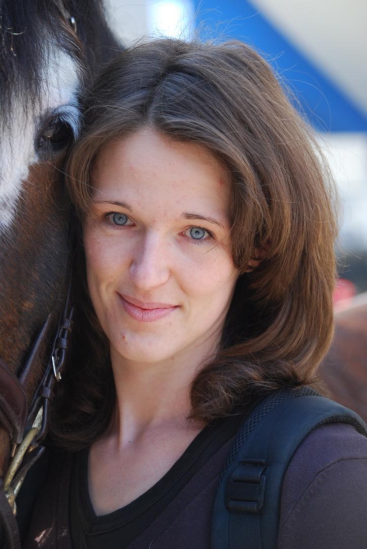 Karin mit Pferd