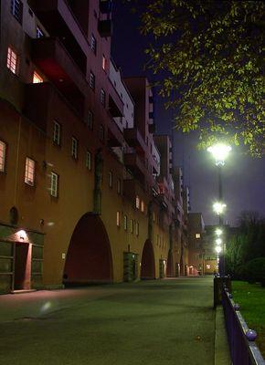 Karl-Marx-Hof bei Nacht