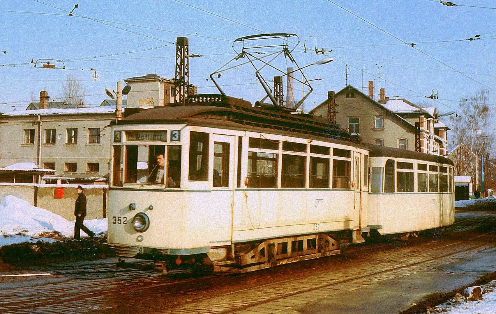 Karl Marx Stadt 1986 Berufsverkehr E Zug ist gerade ausgerückt