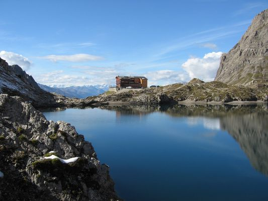 Karlsbader Hütte 2.261 m in den Gailtaler Alpen / Lienzer Dolomiten