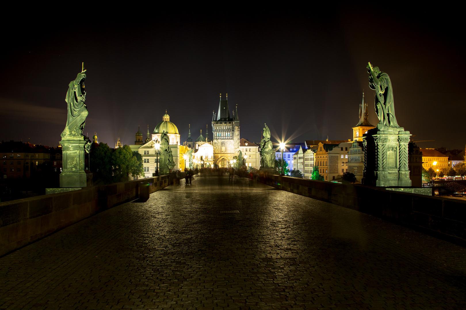 Karlsbrücke @ night