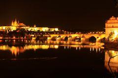 Karlsbrücke und Burg