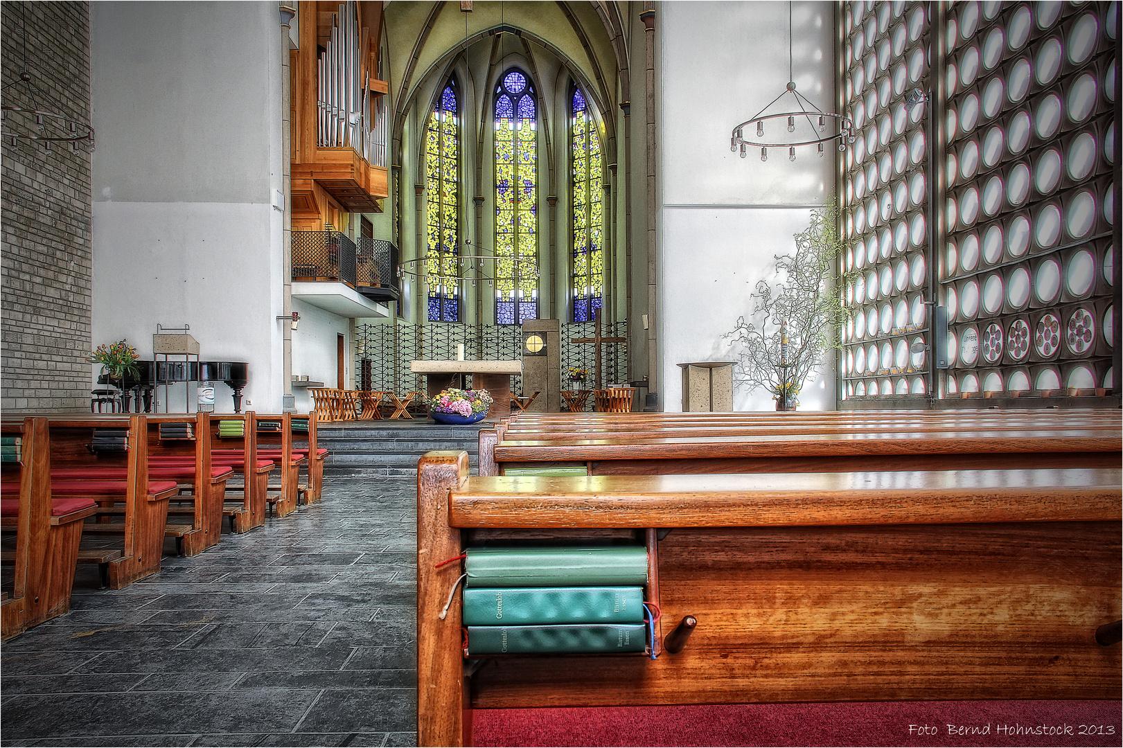 Karmelkirche zu Duisburg  ....