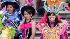 KARNEVAL Bolivien 3 Frauen