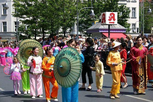 Karneval der Kulturen 2004