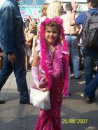 Karnevalskostüm der großen Schwester zweckentfremdet... :-)