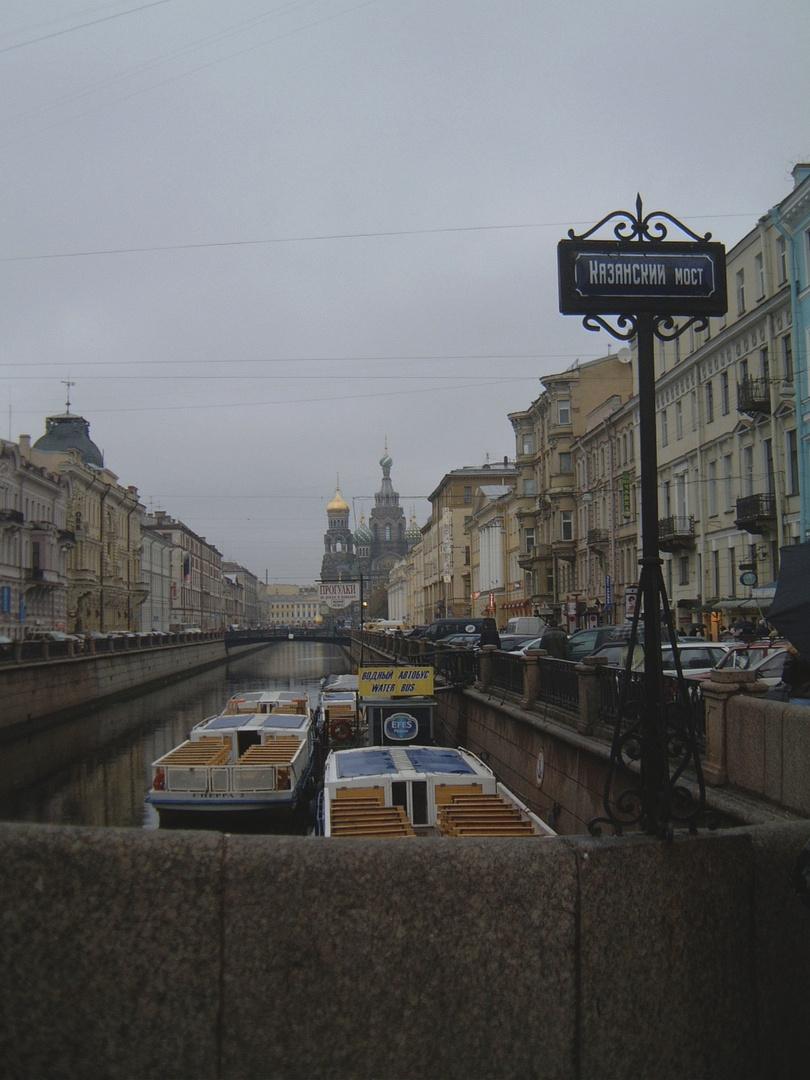 Kasan Bridge at the Newski-Prospekt looking to the Christi-Resurrection Church
