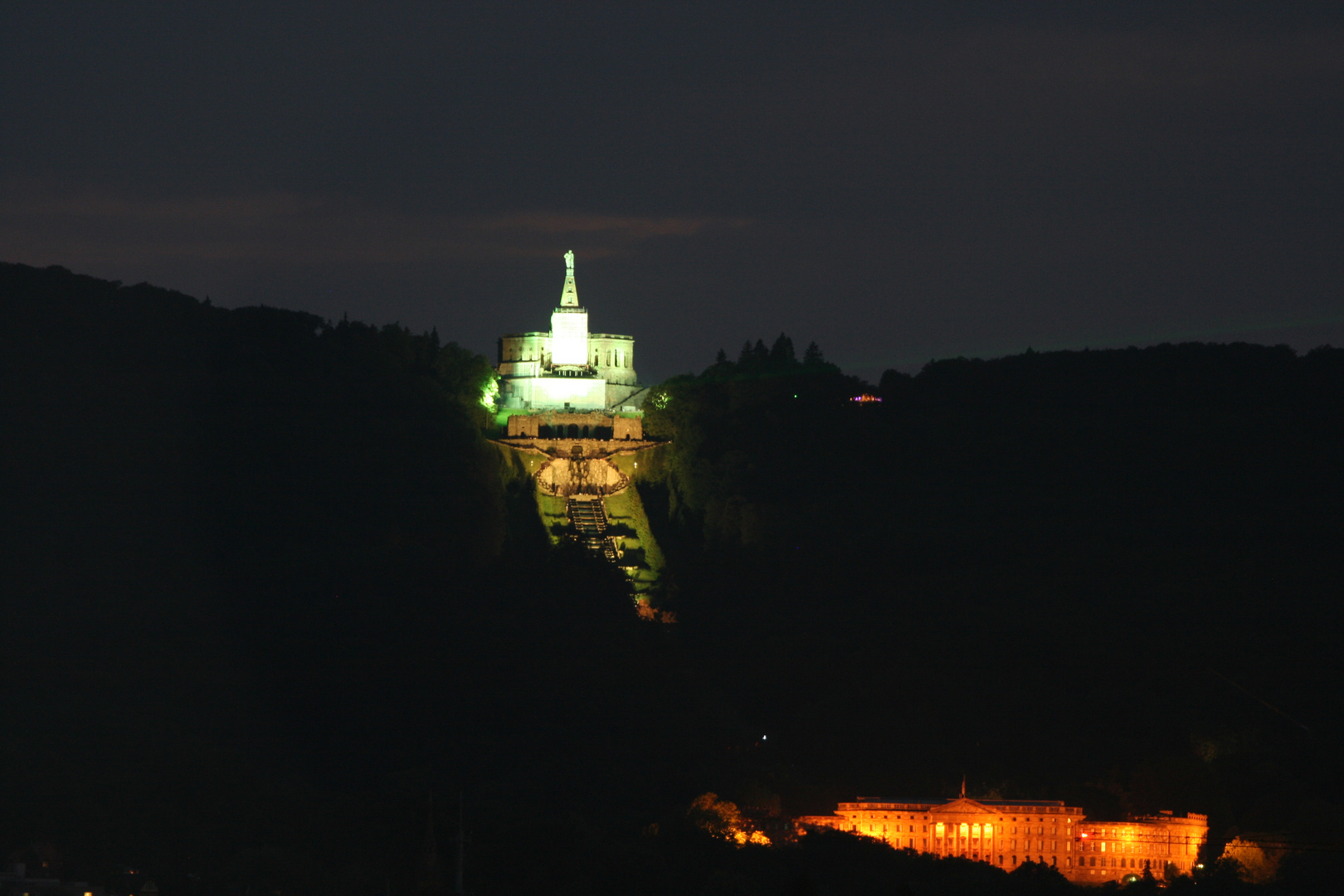 Kassel Wihelmshöhe bei Nacht