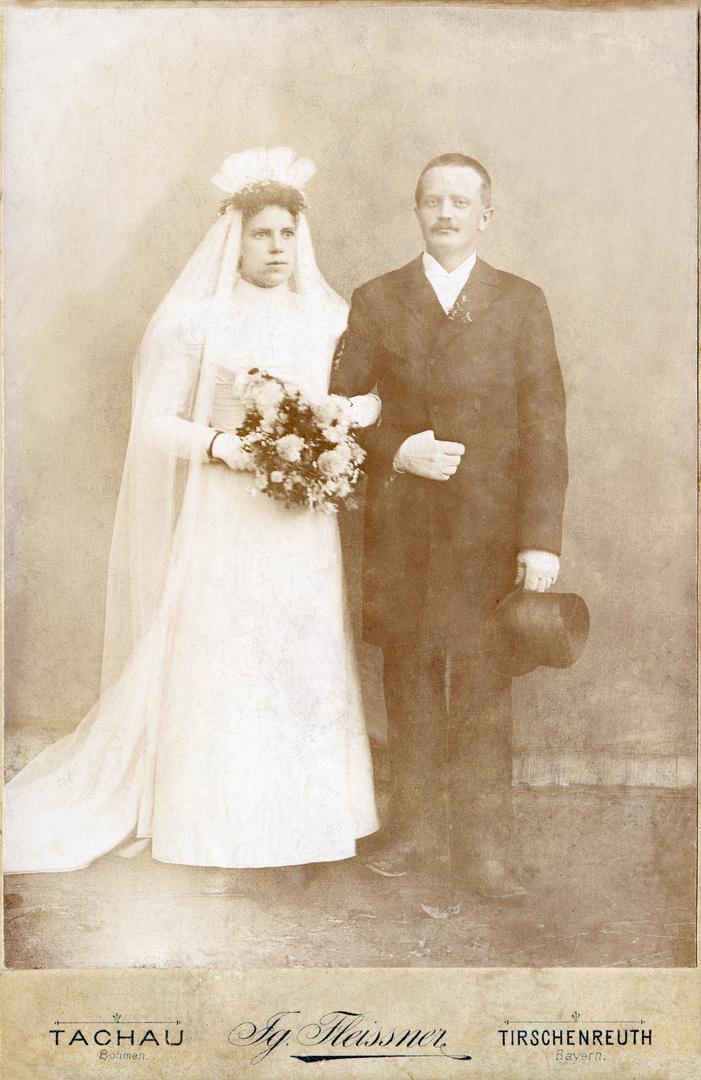 Katharina Liebscher geb. Martin mit Karl (Carl) Liebscher Hochzeit 25.10.1898