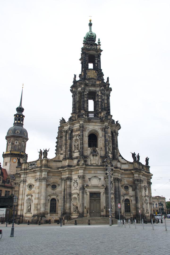 Kathedrale St. Trinitatis (ehem. Katholische Hofkirche)