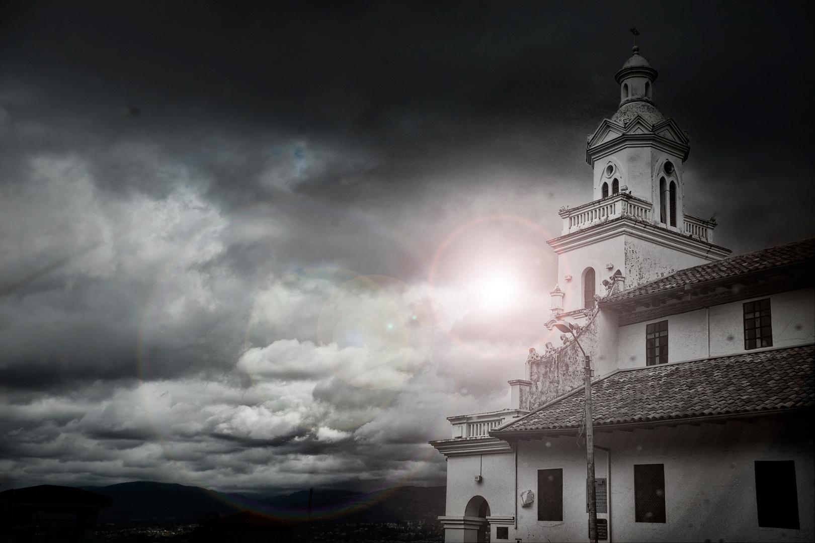 Kathedrale über Cuenca, Ecuador