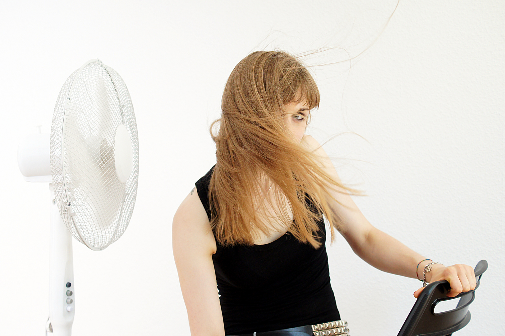 Kathi: hat + fan 1