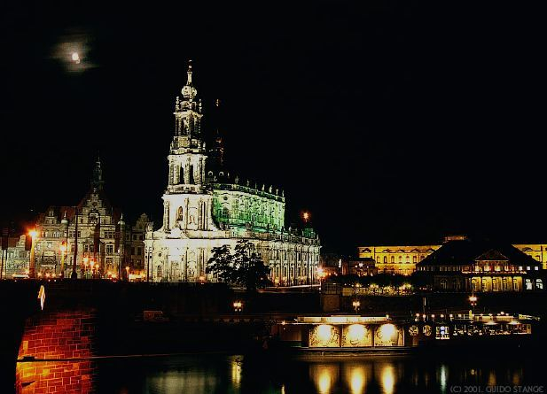 Katholische Hofkirche (Kathedrale St. Trinitatis)