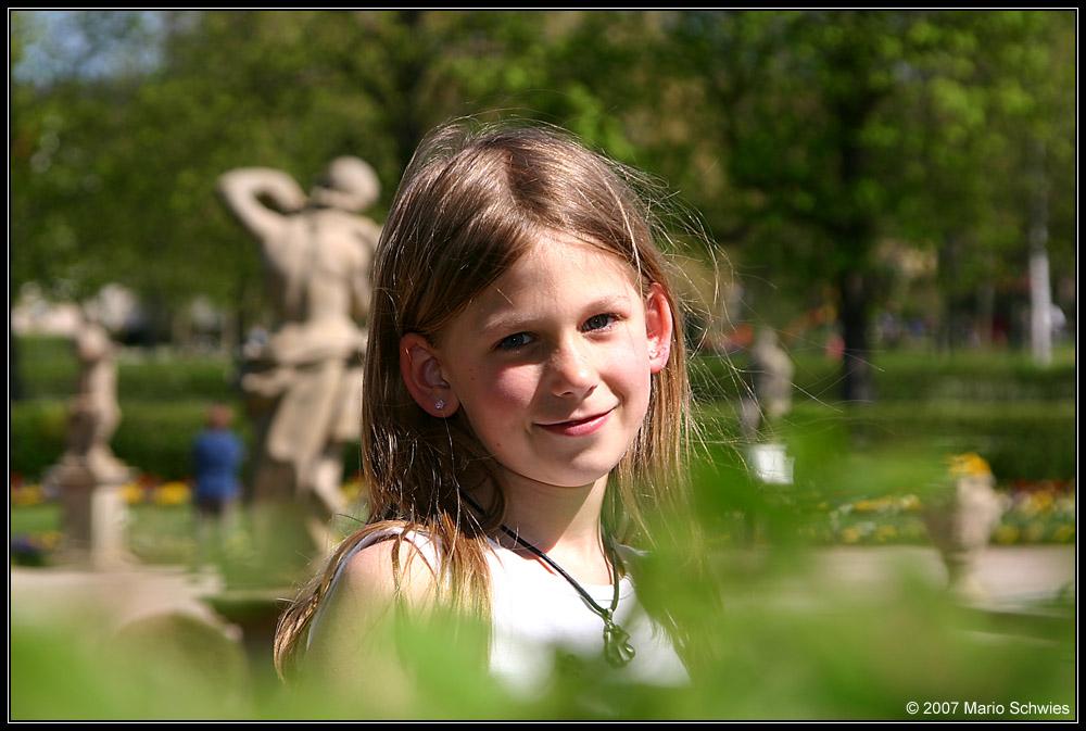 Kathrin im Weikersheimer Schloßpark