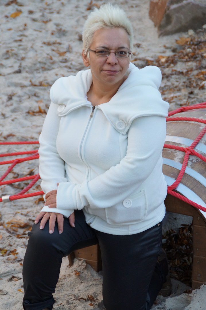 Katrin auf dem Spielplatz ;-)