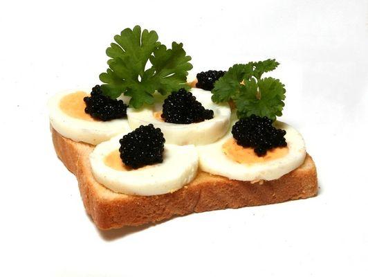 Kaviar Toast