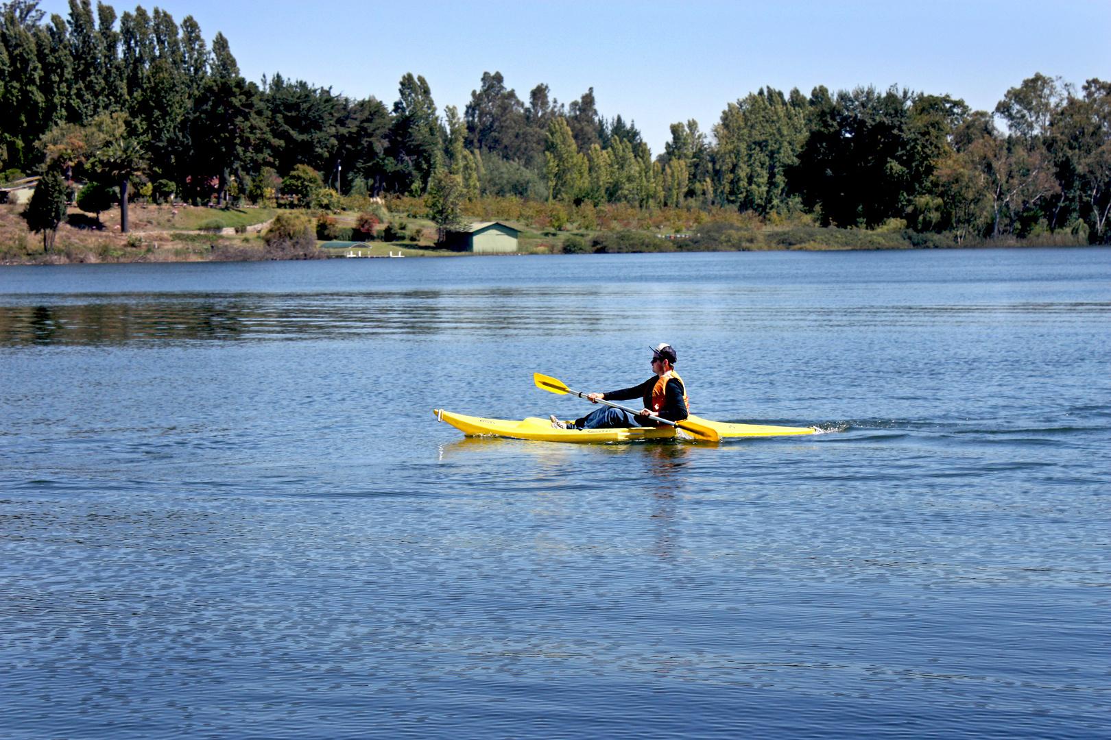 Kayak en Laguna Avendaño
