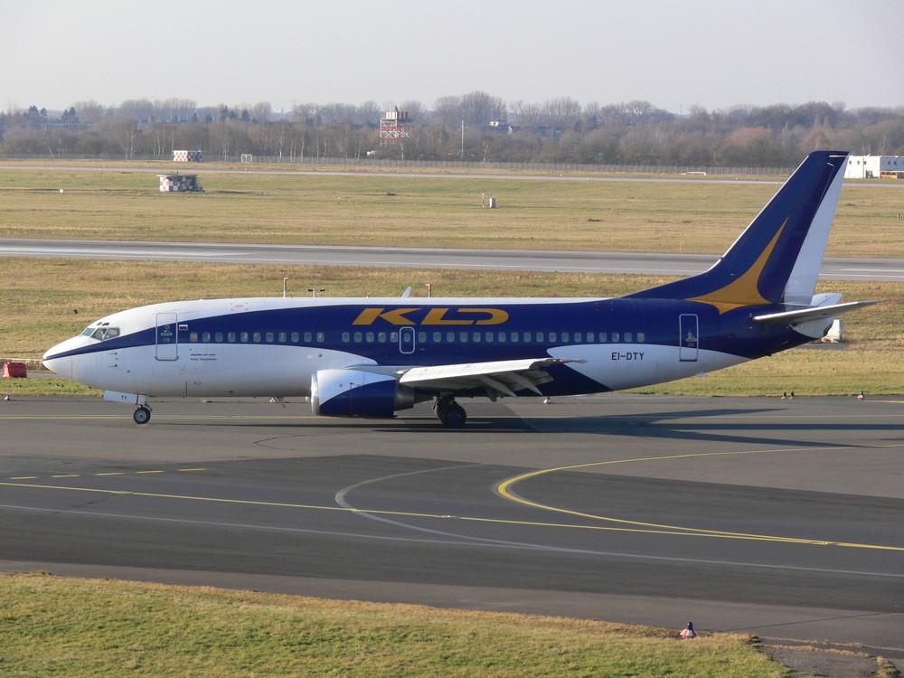 KD Avia EI-DTY Boeing 737-3M8