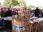 Kein Obstmarkt, sondern ein Flohmarkt !