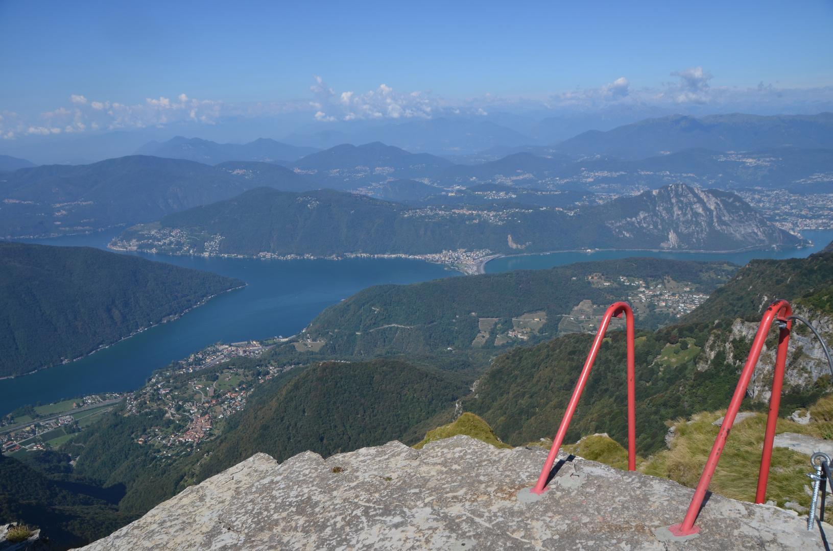 Kein Swimmingpool - sondern ein Klettersteig :)
