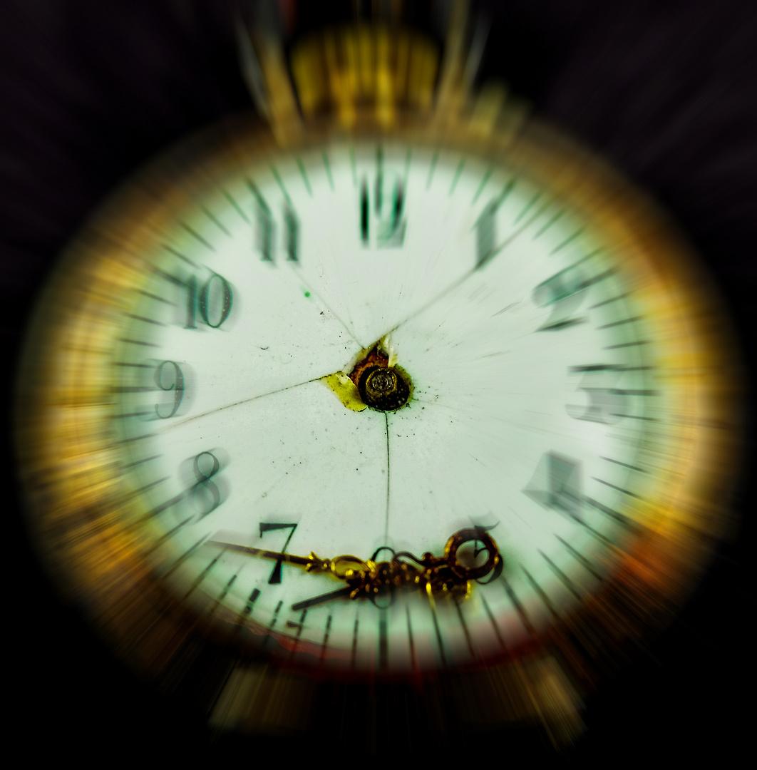 Kein Zeiger treibt dich mehr, endlich ist Zeit nur noch ein Wort.