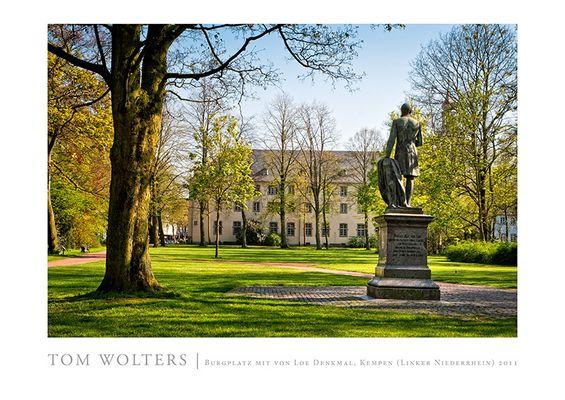 Kempen Poster | Burgpark mit von-Loe-Denkmal , Kempen (Linker Niederrhein) 2011