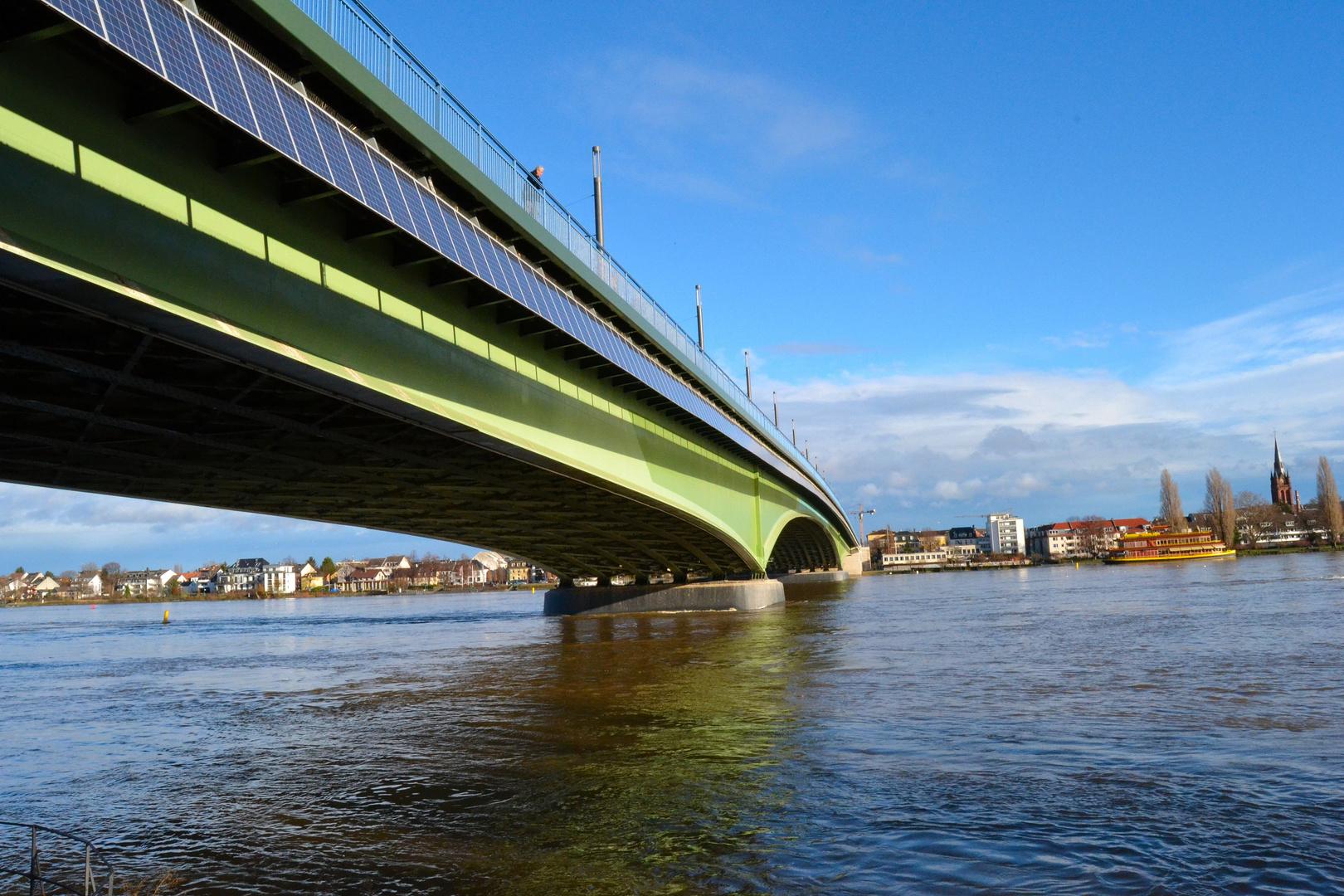Kennedybrücke in Bonn