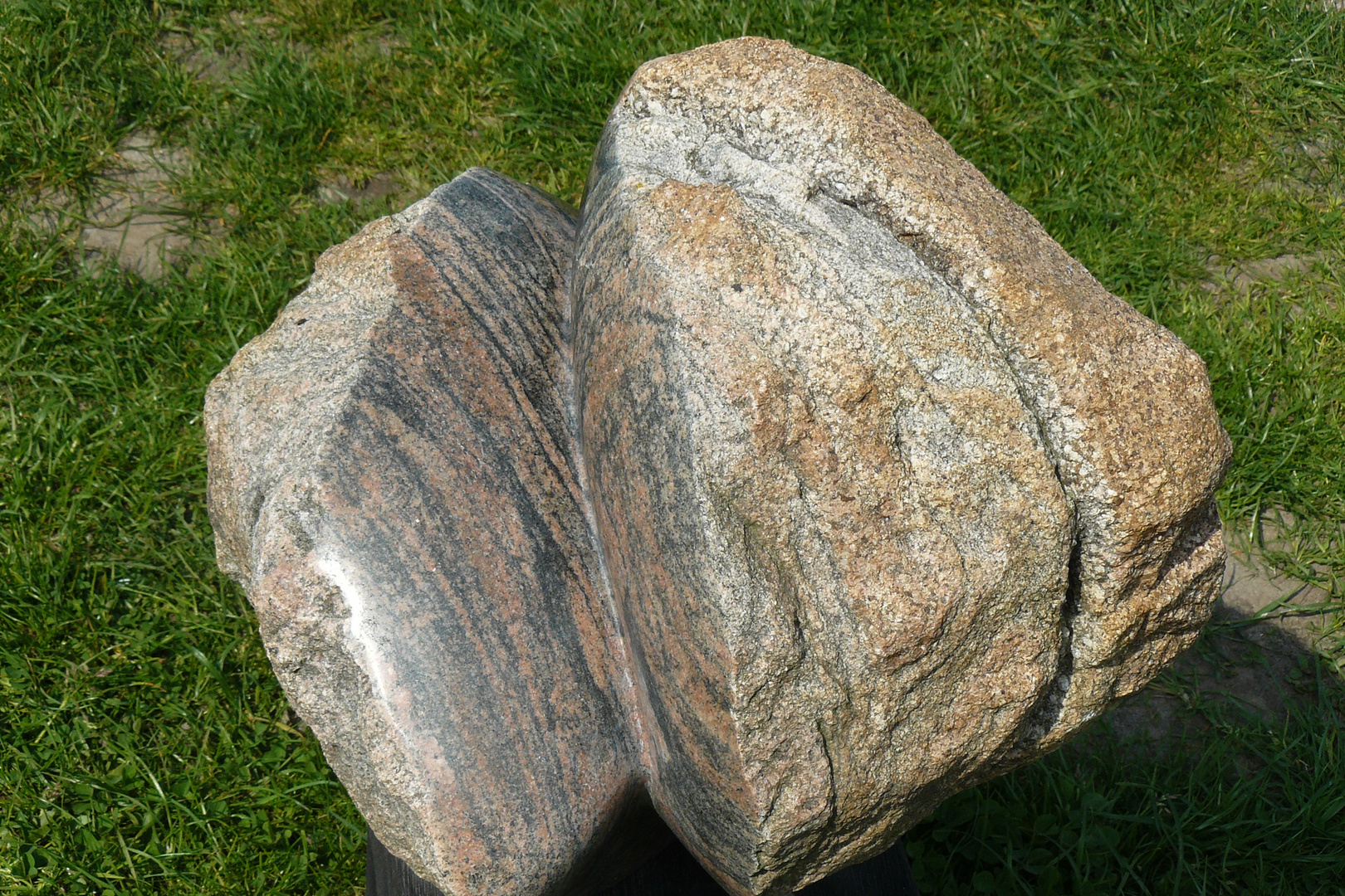 Kerbe in Granit