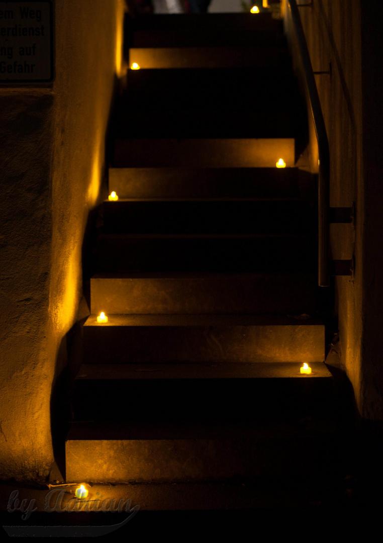 Kerzen auf der Treppe