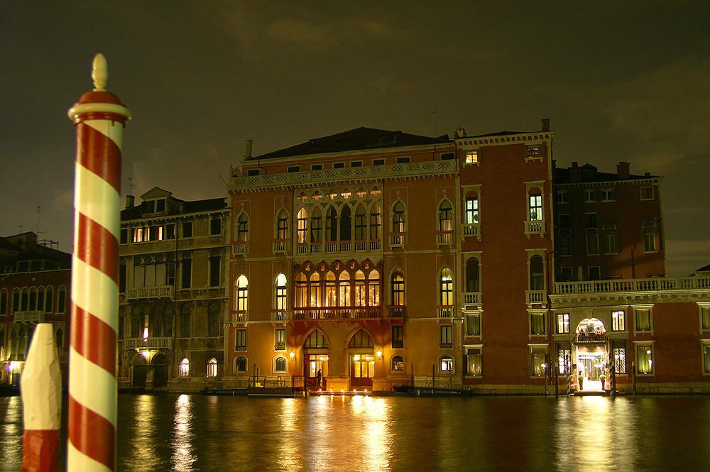 Kerzen-Palazzo