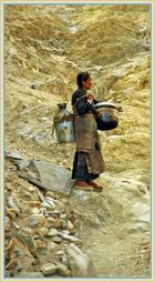 Kesselträgerin, Tingri Tibet